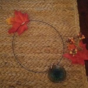Pretty Round Rock/Glass pendant Necklace